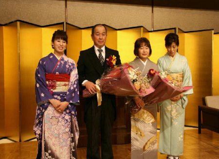 野村拓也さんの黄綬褒章を祝う