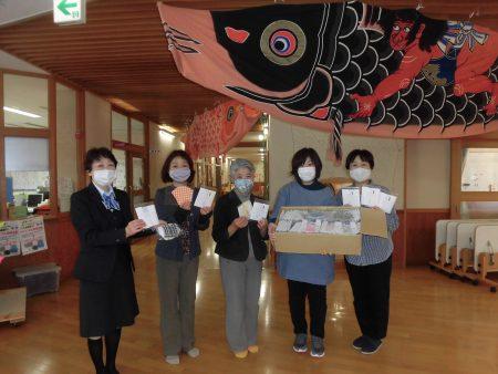 施設に手作り布マスク寄贈