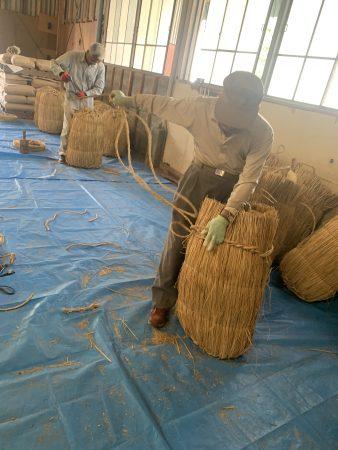 地元の大祭用に作成した米俵を奉納